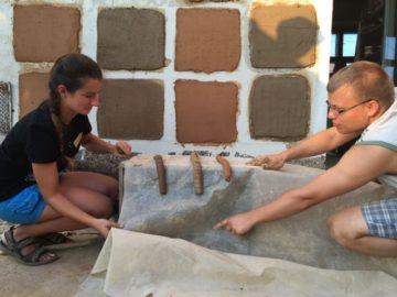 Kurz: Špecialista na hlinené omietky M1- Príprava hlinenej malty na omietku @ Ekocentrum ArTUR | Hrubý Šúr | Bratislavský kraj | Slovensko