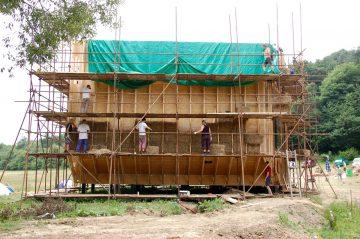 Kurz: Zhotovovateľ slamených konštrukcií, S2 - Slamené stavanie, metóda: výplňová @ Ekocentrum ArTUR | Hrubý Šúr | Slovensko