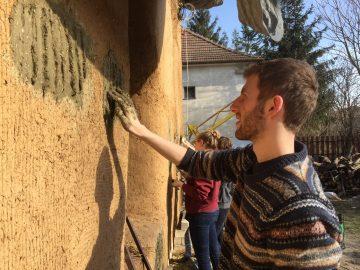 Kurz: Zhotovovateľ slamených konštrukcií, S5 - Slamené stavanie, Povrchy a stavebná fyzika @ ekocentrum ArTUR | Hrubý Šúr | Slovensko